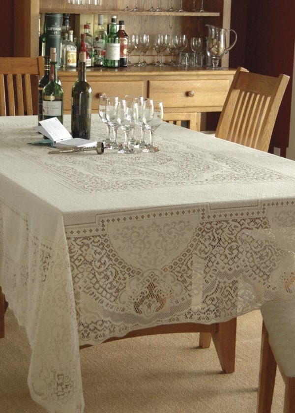 Elegant Lace Tablecloth - Canterbury