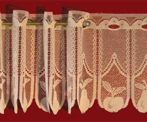 Apples N Pears Lace Valance Design
